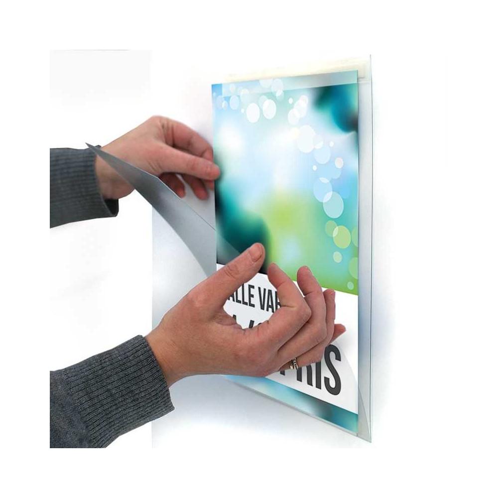 Plastlomme med lukking til vegg