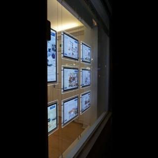 Plexi plakatholder med led-lys