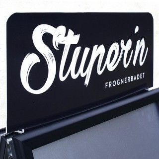 Logoplate med holder