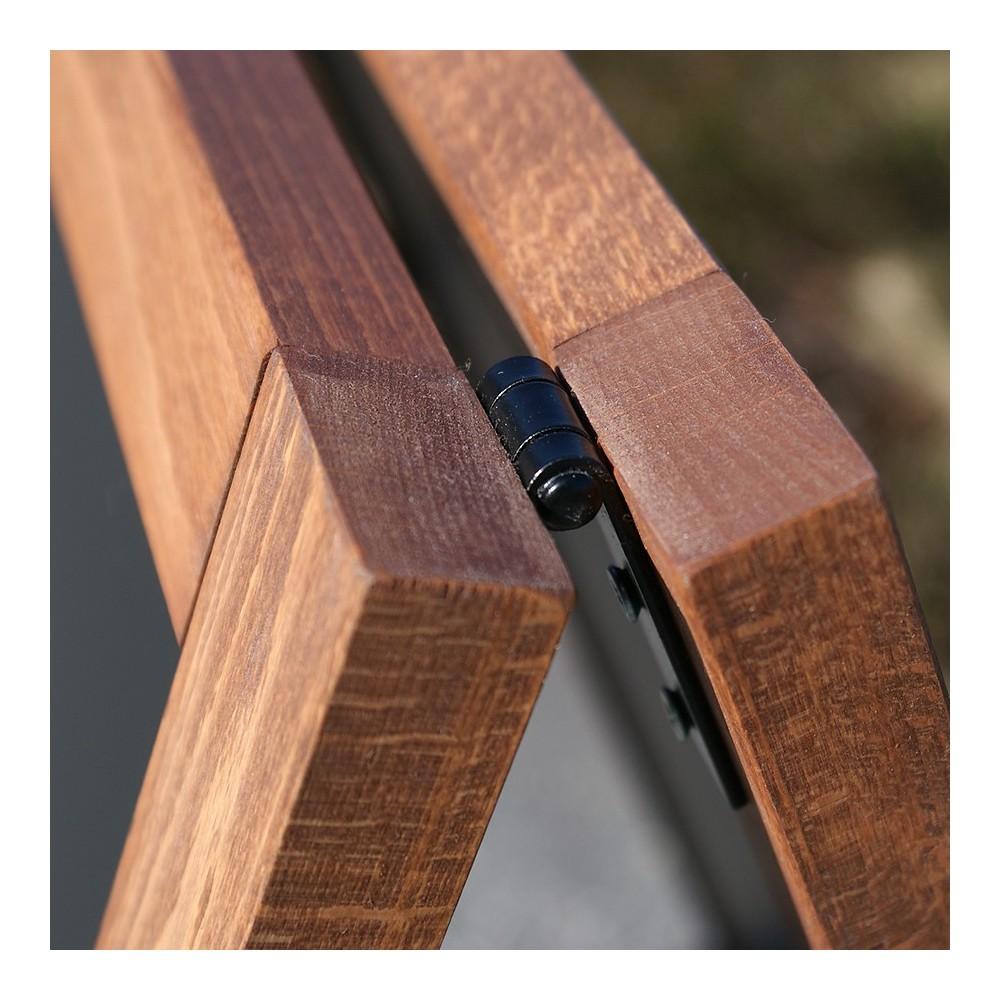 Gatebukk med magnetisk tavle har fin ramme