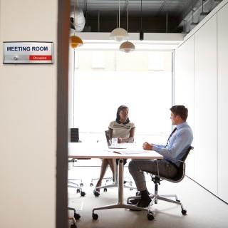 Ledig/opptatt skilt møterom