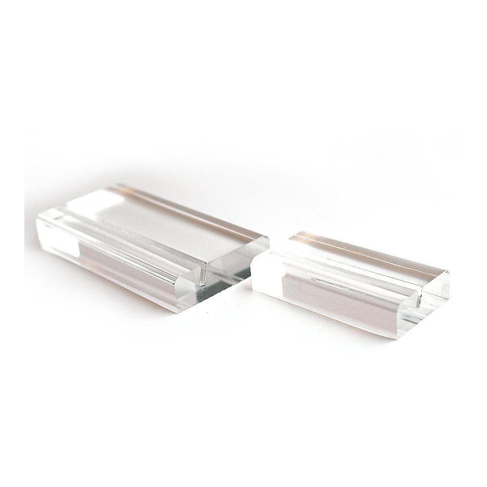 Moderne kortholder finnes i to størrelser.