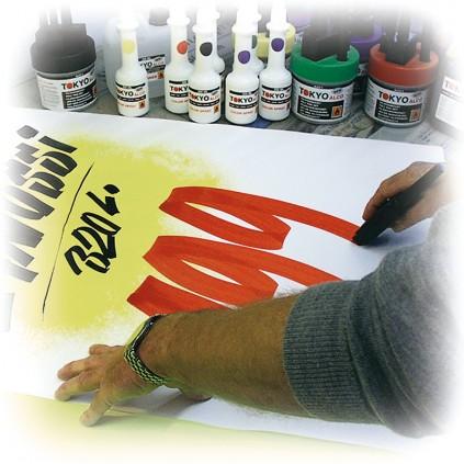 Skriv flotte plakater selv ved hjelp av våre pensler