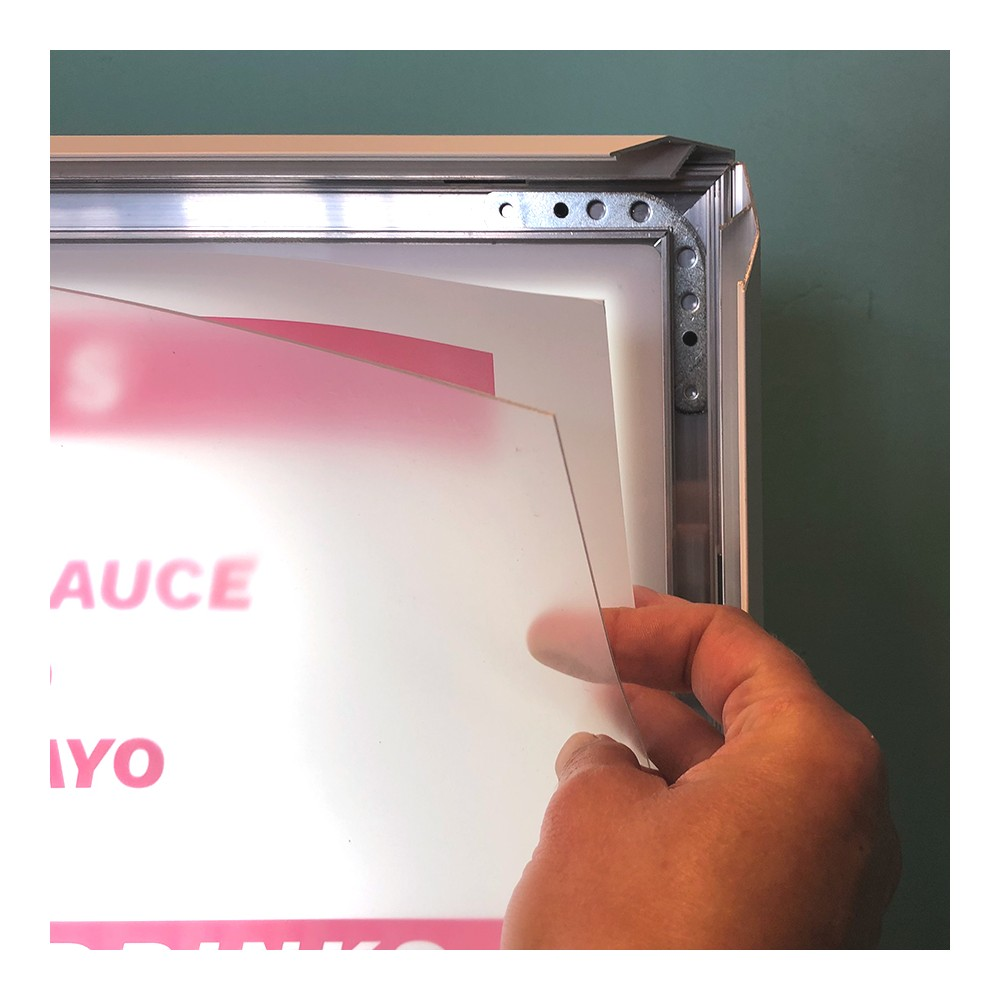 Led lyskilt med klikklister og mulighet for å skifte print